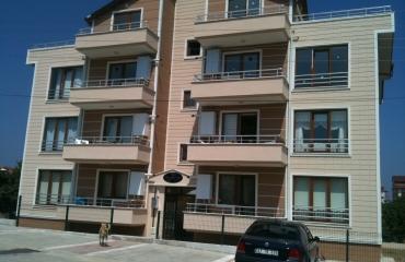 Akyazı'da İnönü mahallesinde 125 m2 orta kat lüks 3+1 DAİRE